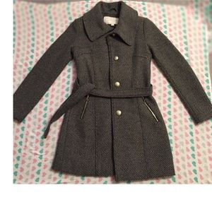 Jessica Simpson belted coat